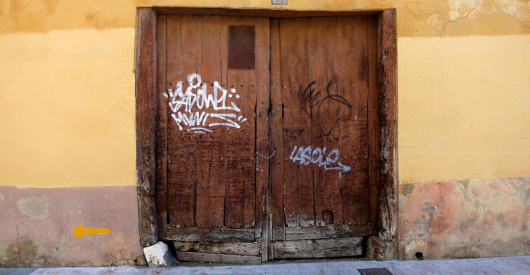puertaleonesa